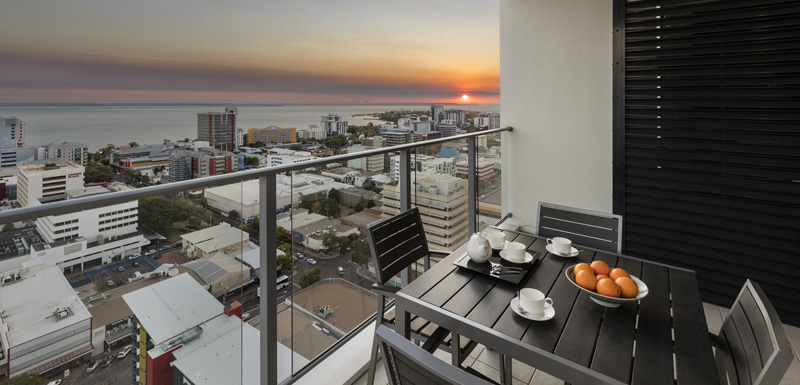 Oaks elan darwin official website darwin hotels for Hotels with balconies
