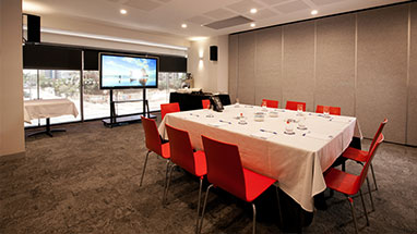 Tolmer meeting room configuration with projector at Oaks Elan Darwin