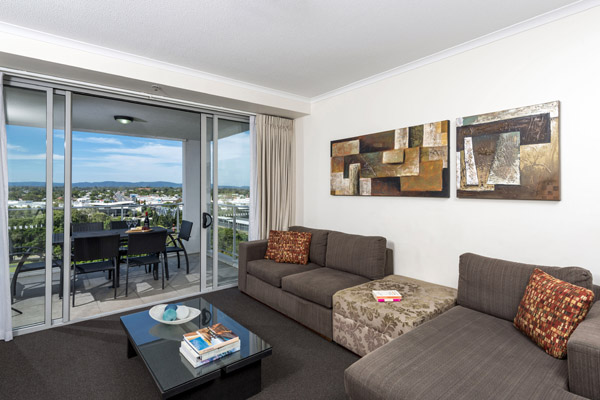 cheap Ipswich hotel 2 bedroom apartment with balcony and modern furniture. Oaks Aspire   Official Website   Ipswich Hotel