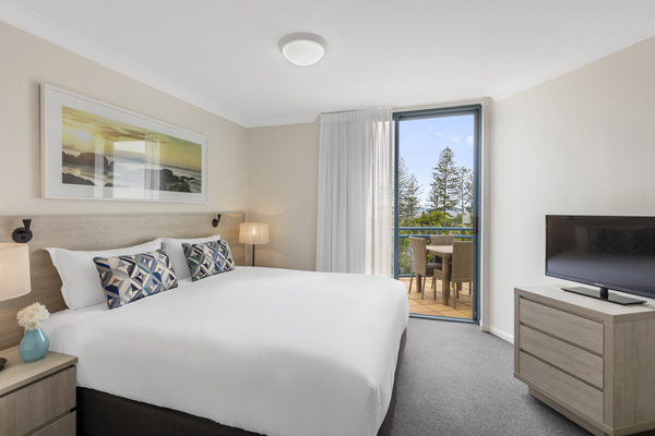 Comfortable Coolangatta hotel beds in two bedroom apartment walking distance to the beach in Coolangatta at Oaks Calypso Plaza hotel on Gold Coast